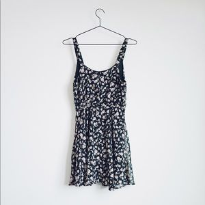 Urban Outfitters Dresses - NWOT Urban Outfitters Lucca Couture Dress